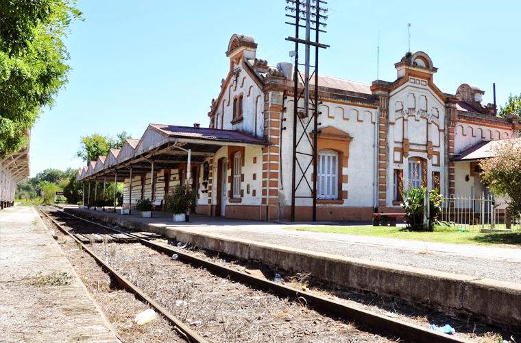 Estación de Ferrocarril, Municipio de Suipacha